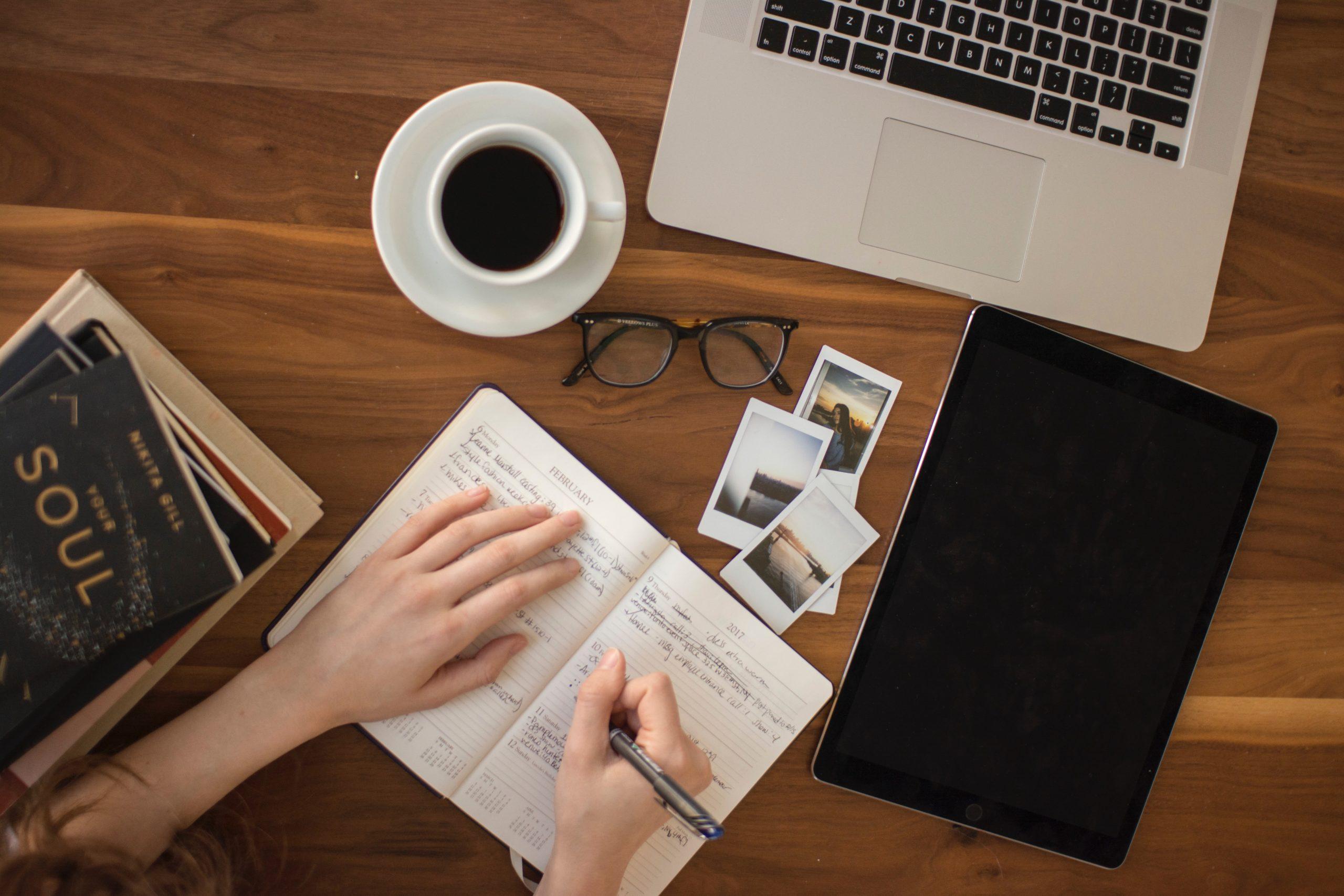 stratégie-éditoriale-digital-alizee-brimont